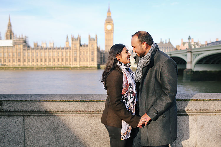 winter-london-outdoor-couples-valentines-day-photo-shoot-engagement-westminster-big-ben-tower-bridge-4