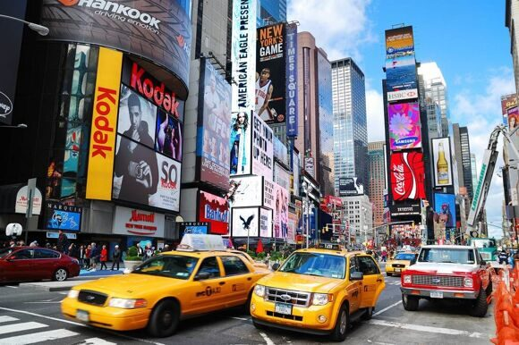 etiquette-guide-new-york-times-square-cabs